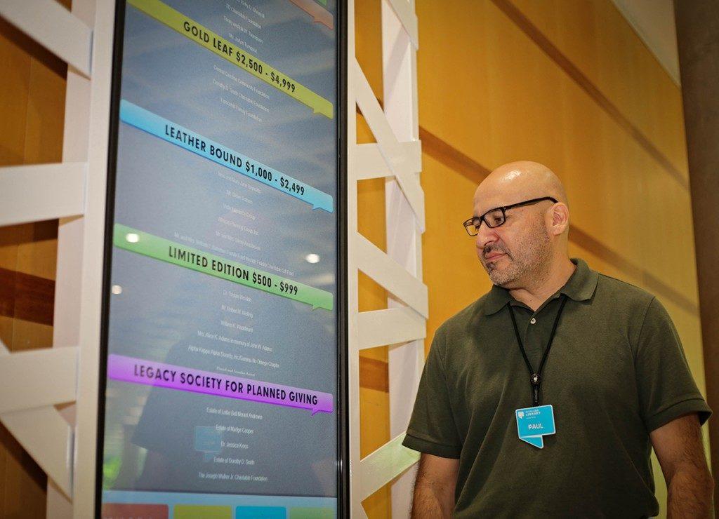 digital signage content