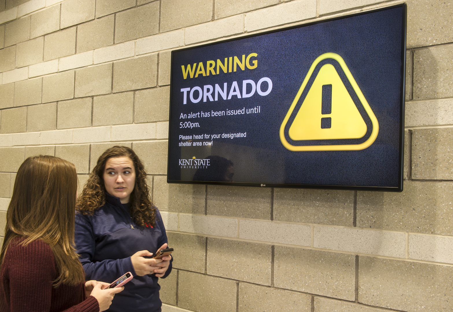 Emergency alert digital signage at Kent State University
